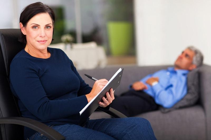 Занятия с психотерапевтом