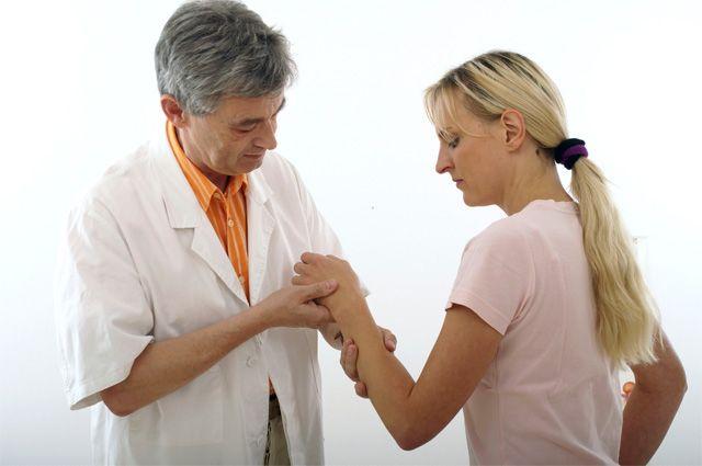 Девушка и доктор
