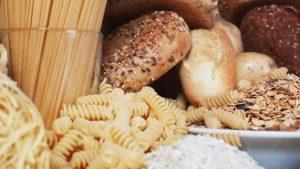 Макароны и хлеб